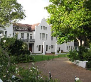 """Blick auf das """"Cape Malay Restaurant""""-Gebäude Hotel The Cellars-Hohenort"""