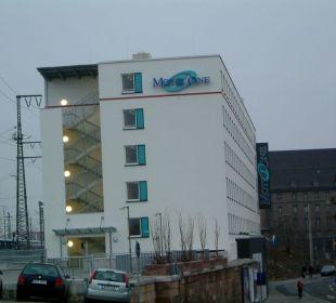Hotel von außen Motel One Nürnberg-City