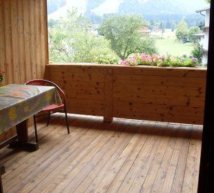 Wo gibt es so einen großen Balkon? Frühstückspension Hüttwirt