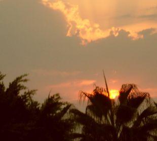 Herrlicher Sonnenuntergang Hotel Kleopatra Celine