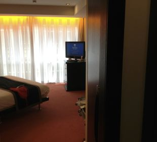 The bed room of the junior suite Park Plaza Riverbank London
