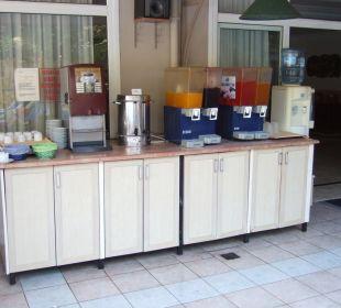 Kaffee, Tee, Säfte, Wasser Club Big Blue Suite Hotel