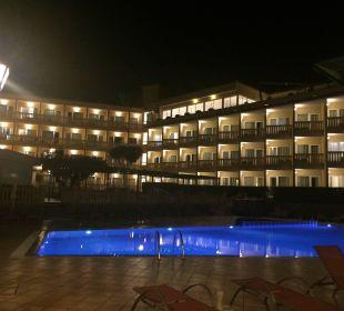 Hotelansicht bei Nacht  SENTIDO Porto Soller