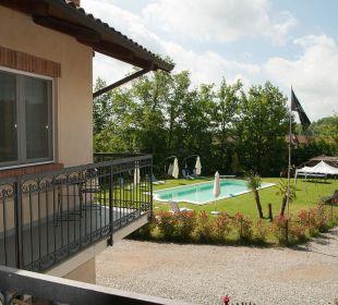 Blick zum Pool Agriturismo Cascina Vignole