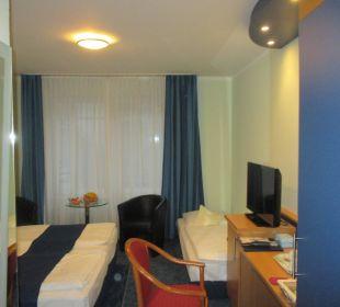Doppelzimmer mit Zustellbett Hotel Hanseport Hamburg