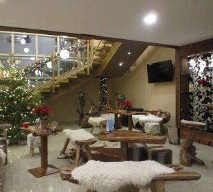 Sitzmöglichkeiten aus Holz ENZIANA Hotel Vienna