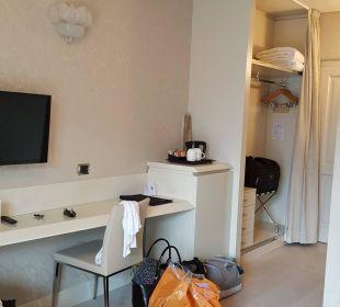 Flur und Begehbarer Kleiderschrank Junior-Suite Park Hotel Imperial Centro Tao - Natural Medical Spa