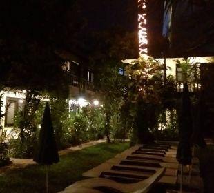 Bei nacht zu den Zimmern K Hotel