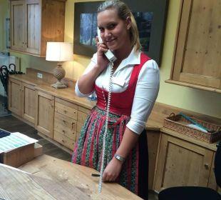 Mitarbeiterin Rezeption: Frau Ramona Hotel Goldener Stern