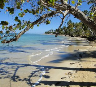 Blick auf die Strandterasse Grand Bahia Principe El Portillo