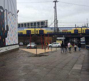 Entfernung zwischen U-Bahn und Hotel Ibis budget Hamburg City