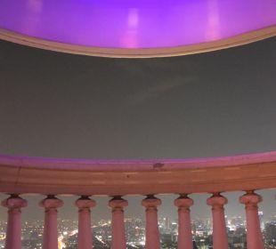 Balkon bei Nacht
