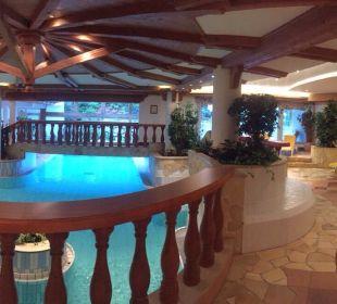 Pool Hotel Post
