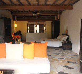 Blick von der Terrasse ins Zimmer Six Senses Spa At Zighy Bay