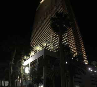 Hotel bei Nacht! Hotel Trump International