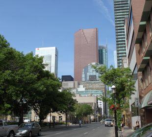 Auch vorm Hotel (Rückseite) Hotel Holiday Inn Express Toronto Downtown