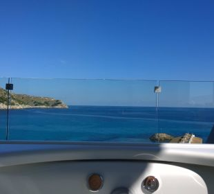 Blick aus dem Whirlpool Mar Azul PurEstil  Hotel & Spa