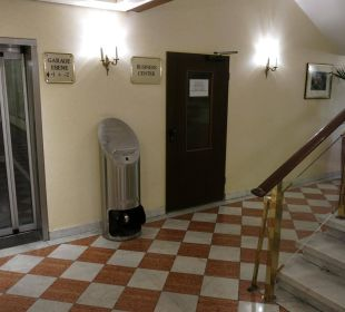 Durchgang zum Fitnesscenter Maritim Hotel Nürnberg