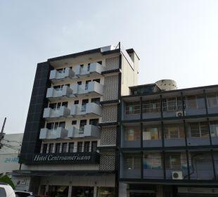 Hotel von der Avenida Ecuador gesehen Hotel Centroamericano