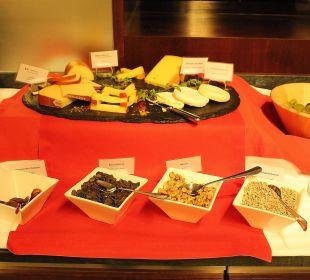 Abendliches Käseangebot in der Stüva Hotel Laudinella