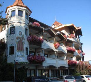 Hotel vom Parkplatz aus