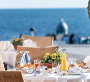 Frühstück auf der Terrasse Hotel Travel Charme Kurhaus Sellin