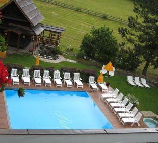 Garten mit Pool Hotel Pulverer