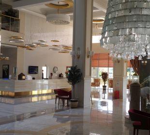 Lobby Hotel Royal Garden Select