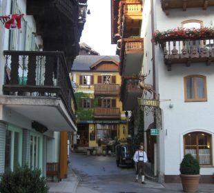 Красивая улочка Seeböckenhotel Zum weissen Hirschen