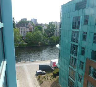Ausblick auf die Spree Ameron Hotel Abion Spreebogen Waterside Berlin