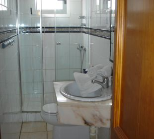 Das saubere Badezimmer Hotel Marbel