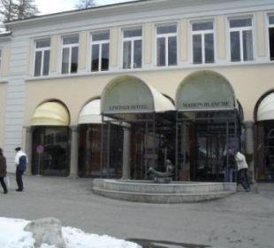 Haupteingang des Hotels