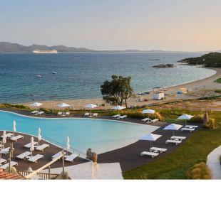 Vista Hotel CalaCuncheddi Resort & Marina