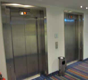 Aufzug im Hotel /zwei vorhanden Holiday Inn Express Hotel Bremen Airport