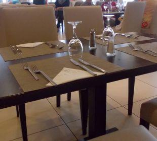 Eingedeckter Tisch Mayor Capo Di Corfu