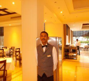 Mohamed im Hauptrestaurant
