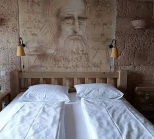 Lit parental sur photo de leonard de vinci Hotel Colosseo Europa-Park