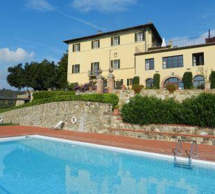 Blick vom Pool auf Villa/Haupthaus Hotel & Wine Resort Villa Dievole