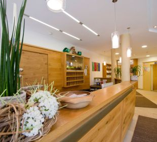 Rezeption & Lobby Hotel Zirngast