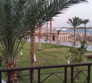 Vom Balkon  Richtung Strand Hotel Iberotel Makadi Beach