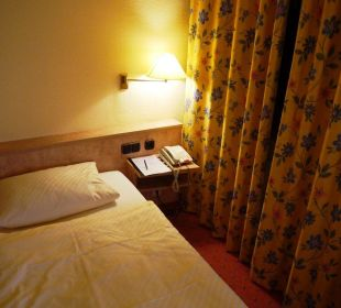 Bett / Nachttisch Ringhotel Roggenland