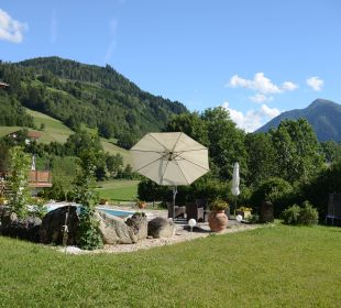 Garten mit Pool Pension Alpenblick