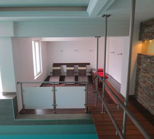 Schwimmbad mit Liegen Hotel Haverkamp