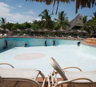 Wird gerade neu Gestrichen Temple Point Resort