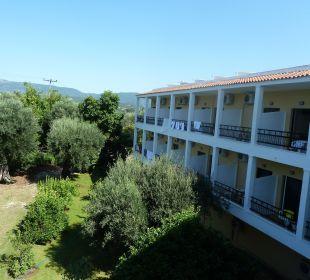 Blick vom Balkon zur Gartenseite Hotel Paradise Corfu