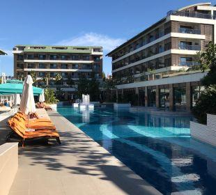 Pool TUI Sensimar Side Resort & Spa