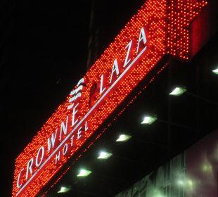 Hotelnamen-Beleuchtung  Crowne Plaza Hotel Times Square Manhattan
