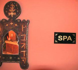 Waschtisch & Spiegel Stargazing Hotel SaharaSky