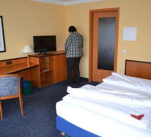 Ausreichend großes Zimmer Hotel Markkleeberger Hof