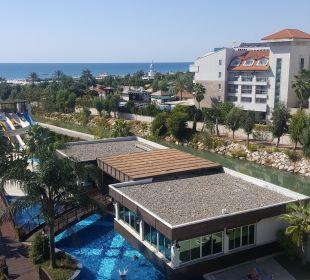 Ausblick seitlich. Meerblick  Sunis Hotel Evren Beach Resort & Spa